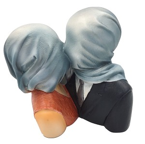 Pocket Art Magritte Lovers with Covered Heads Les Amants Statue
